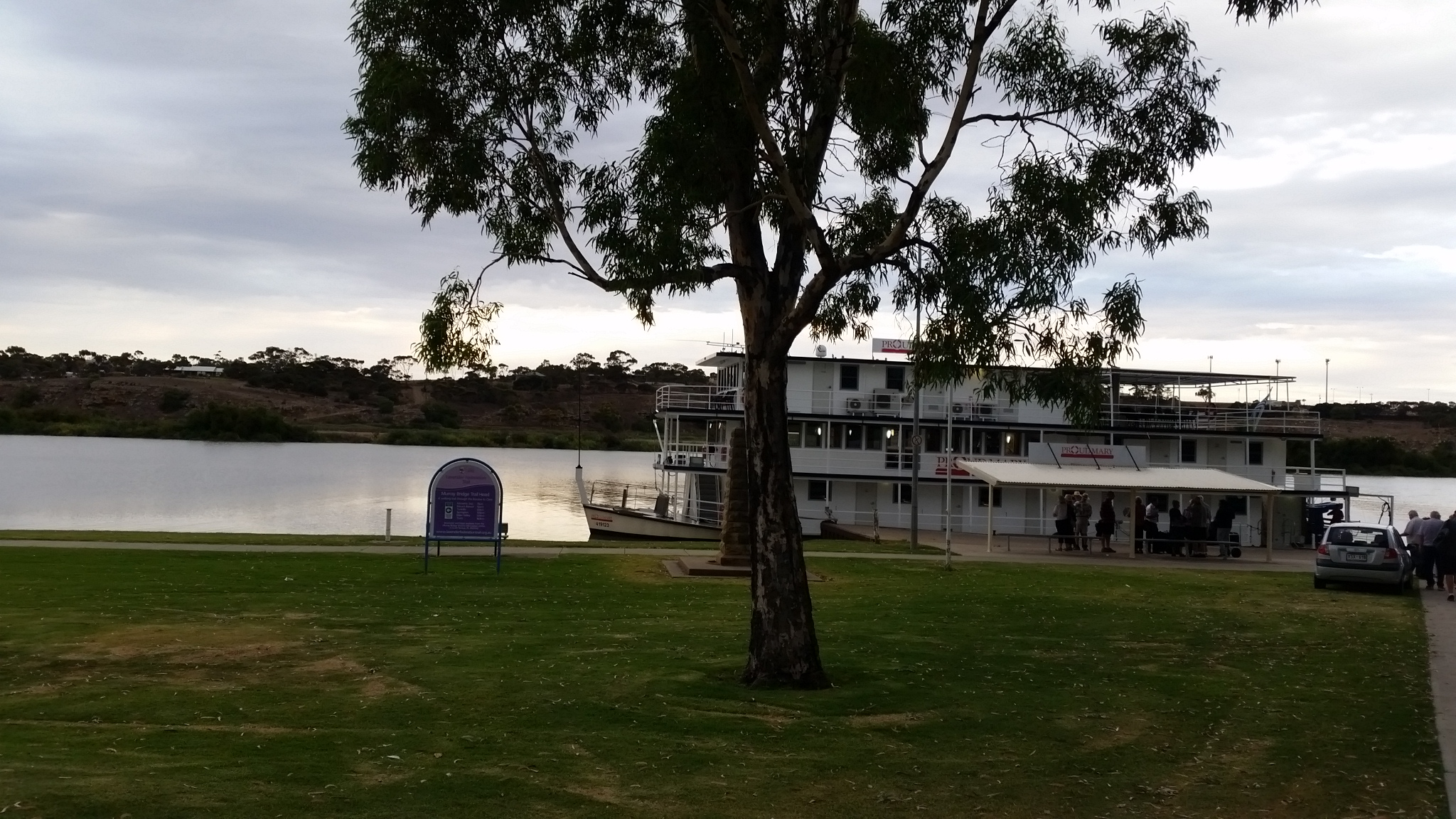 cruise on river murray